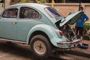 ディーラーセールスマンが 車の定期交換部品を覚え信頼されるユーザーフォローするコツ