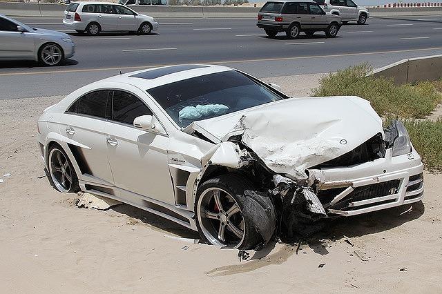 危険運転 あおり運転 対策 「逃げるが勝ち」 どう切りぬける?