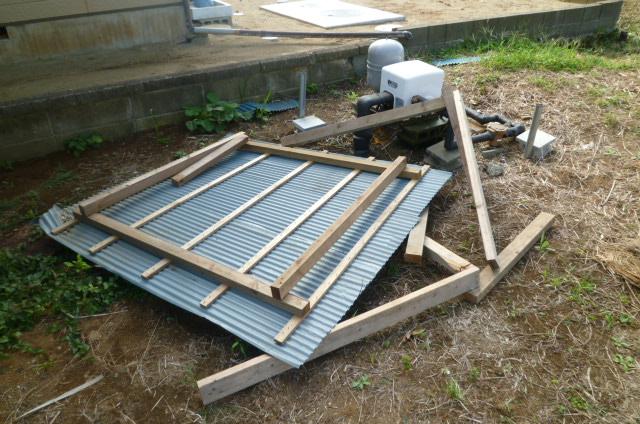 台風で吹き飛んだ井戸ポンプ小屋を diy