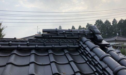 台風被害で屋根瓦が風で飛び!修理順番待ちの為 ブルーシートで雨漏れ対策