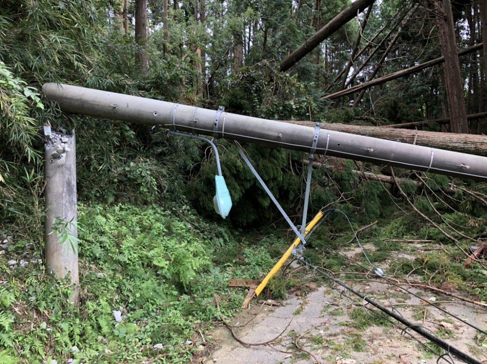 台風被害 家に渋滞で帰れない 電車運休 高速道路通行止め バス運休