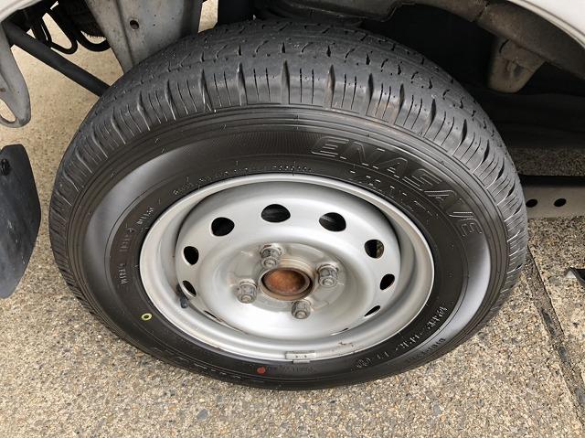 38万で購入したハイゼットバンにダンロップ新品タイヤ